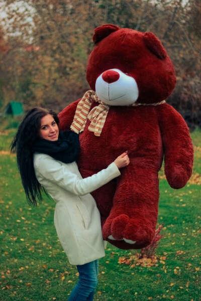 Хочу большого плюшевого медведя!! На день рождения!