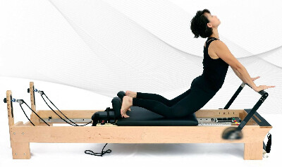 Pilates Reformer with Tower   Pilatesequipment.fitness