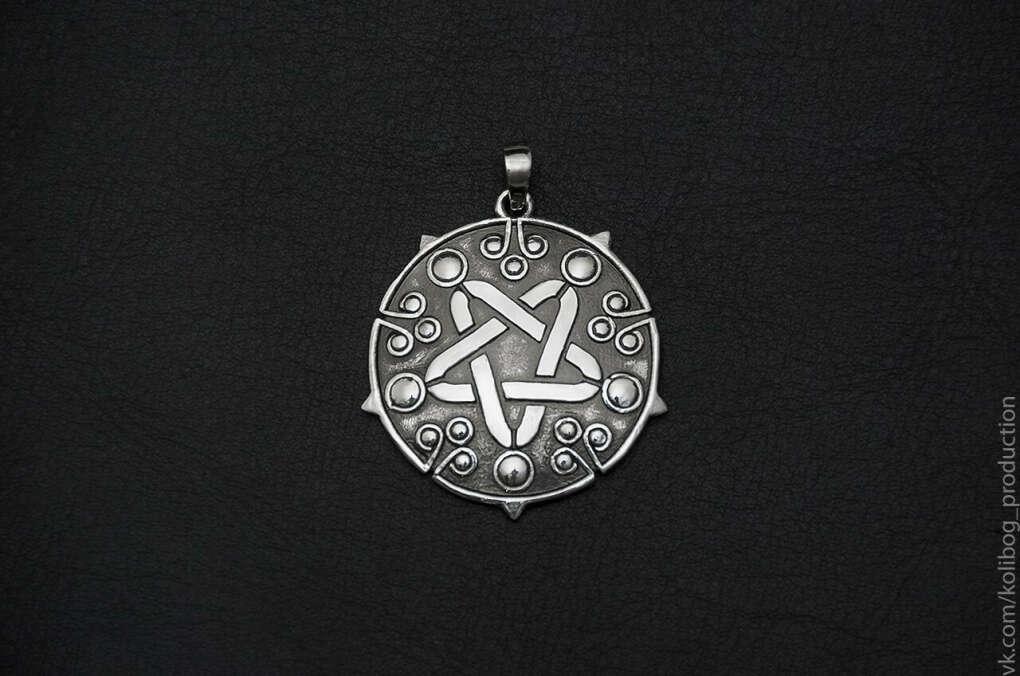 Медальон Йеннифэр