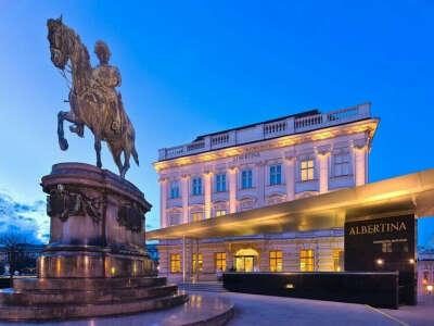 Посетить галерею Альбертина в Вене