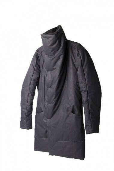 Пальто черное на магнитах