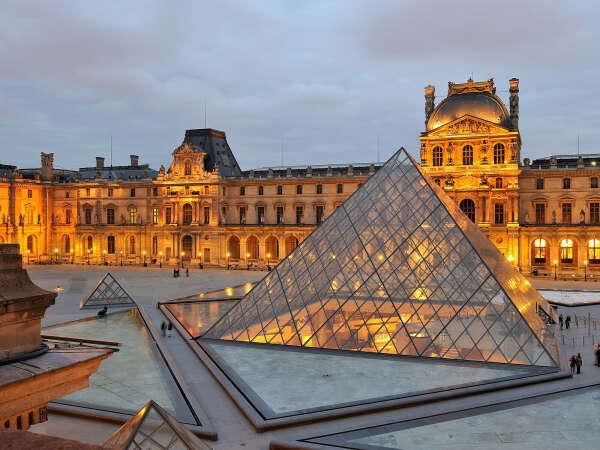 хочу в Лувр