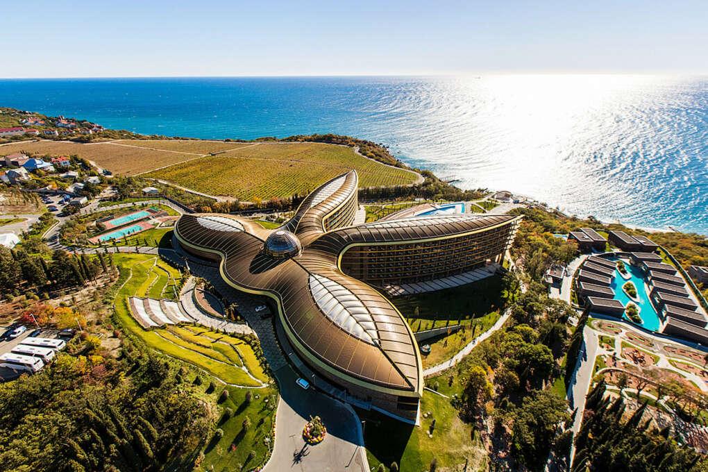 Хочу провести пару дней в отеле Мрия в Крыму