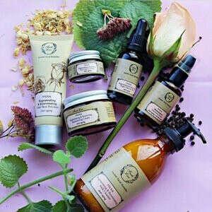 Корзину органической косметики (Basket of organic cosmetics)