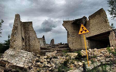 На экскурсию в Чернобыль.