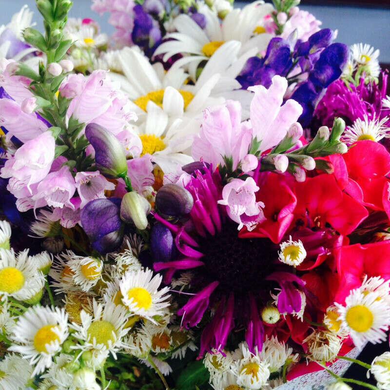Чтобы в доме всегда были свежие цветы.