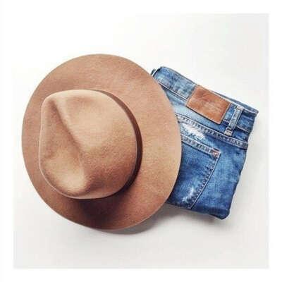 хочу бежевую шляпу