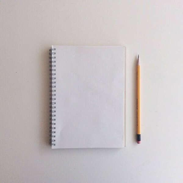 писать стихи, статьи и рассказы