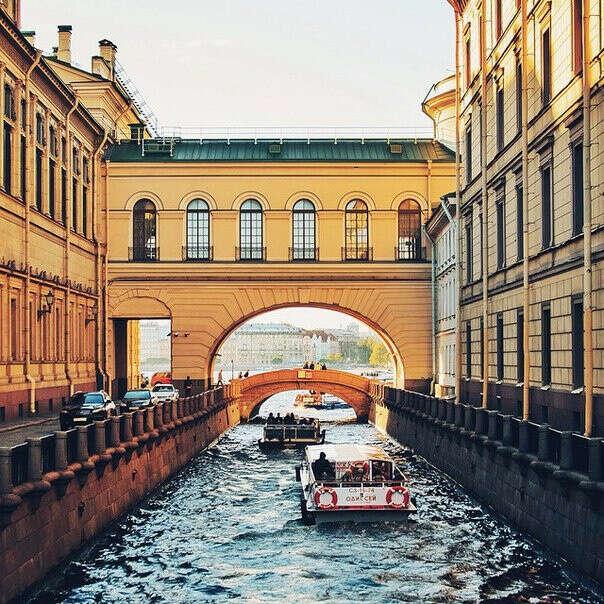 Прогуляться по Санкт-Петербургу