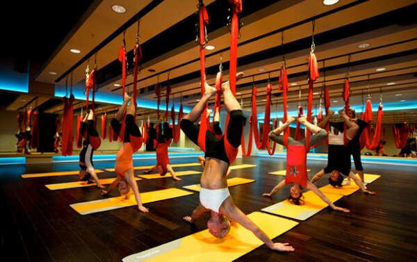 сходить на Fly yoga
