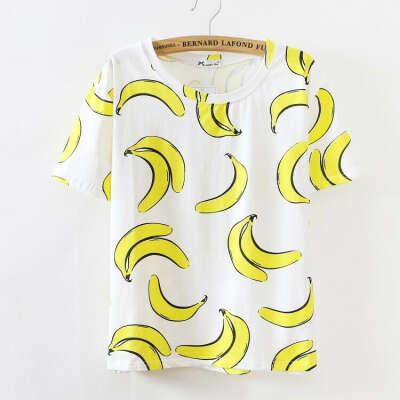 "Футболку с бананчиками из ""Caspian Store""."