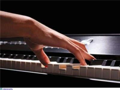 Обучиться игре на пианино