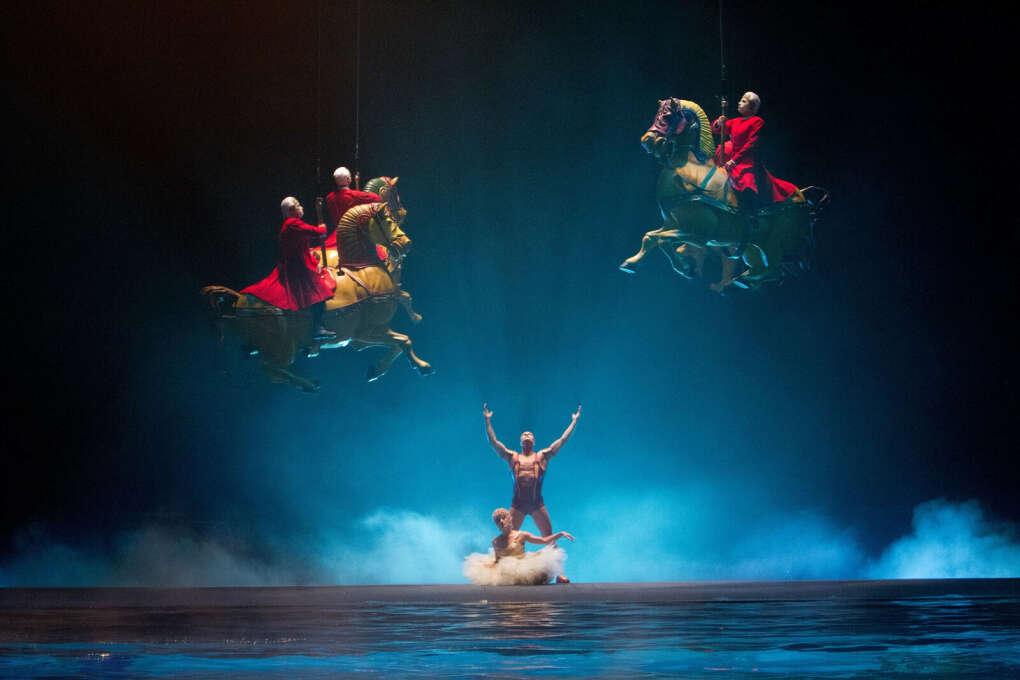 Посетить представление Cirque du Soleil