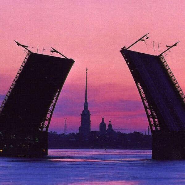 В Санкт-Петербург