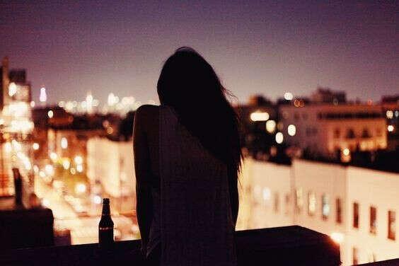Попить пиво на крыше в звездную ночь