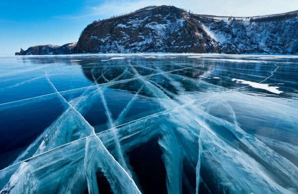побывать на Байкале зимой