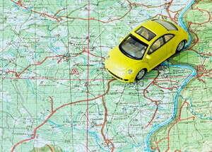 Поехать с семьей на машине в Европу на 2 недели, заезжая в т.ч. в небольшие городишки