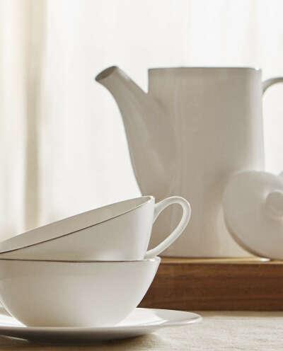 Фарфоровая посуда с платиновой кромкой