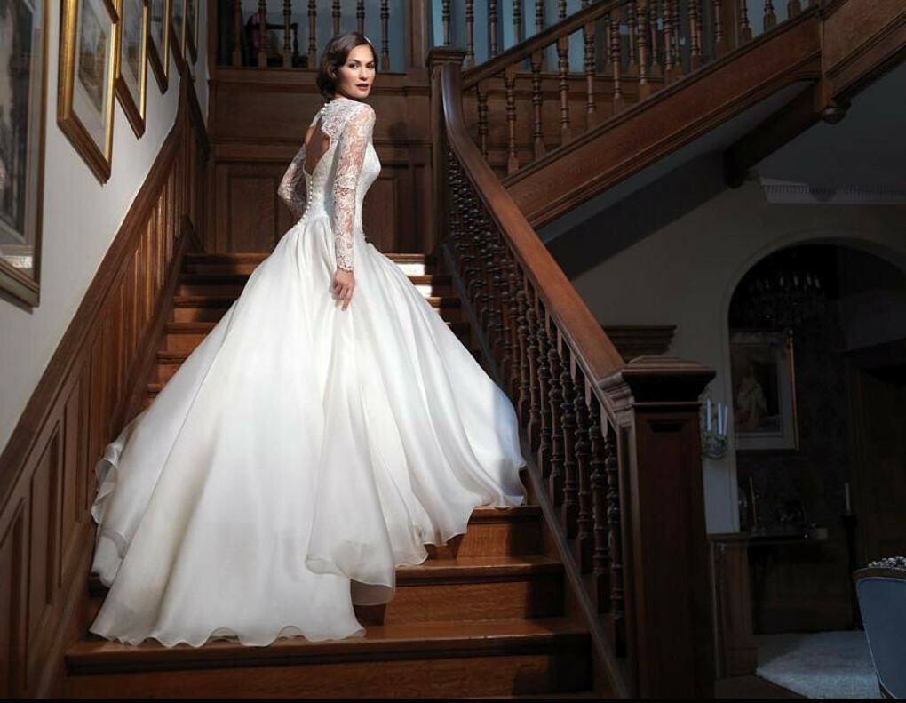 Leading Lady by Suzanne Neville Wedding Dress