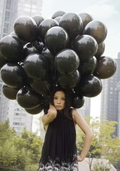 Чёрные воздушные шарики