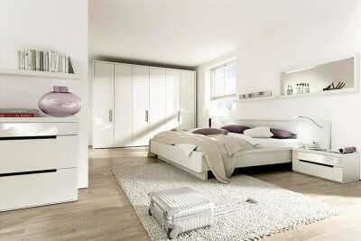 Спальню в белых тонах