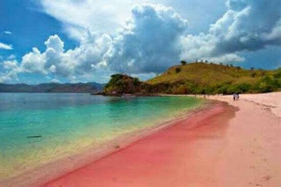 Розовый пляж о. Комодо