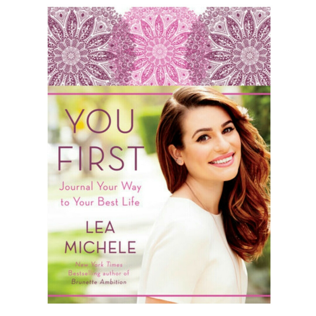 """Книга Лии Мишель """"You First"""""""