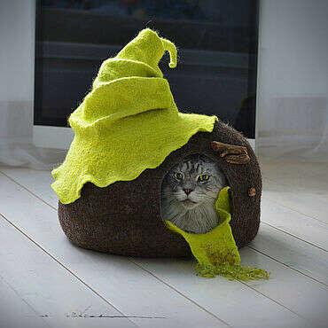 Кошачий домик-нора