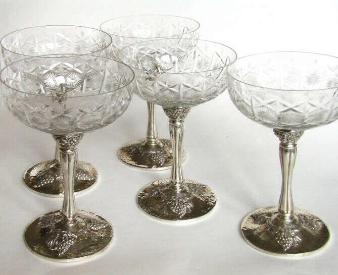Винтажные бокалы для шампанского