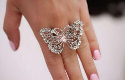 Колечко в форме бабочки