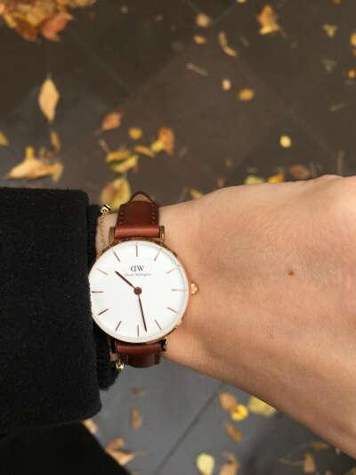 DW часы