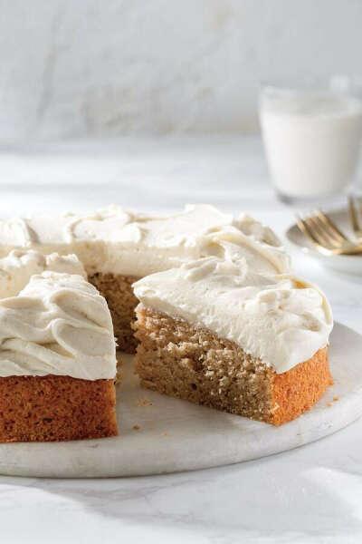 Vanilla Applesauce Cake