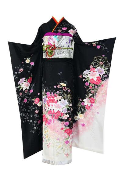 Кимоно (фурисодэ или сусохики)