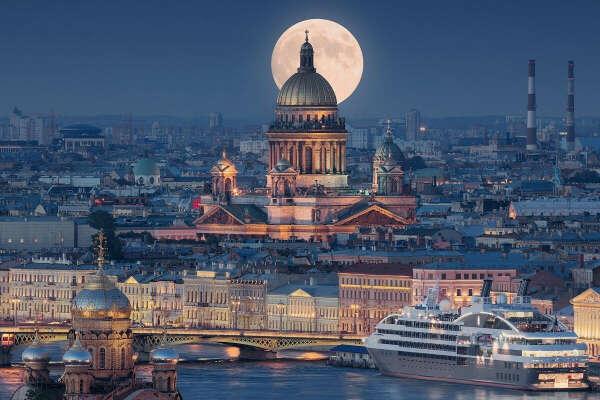 Погулять по Санкт-Петербургу
