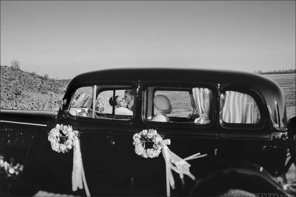 Побывать на свадьбе лучшей подруги.