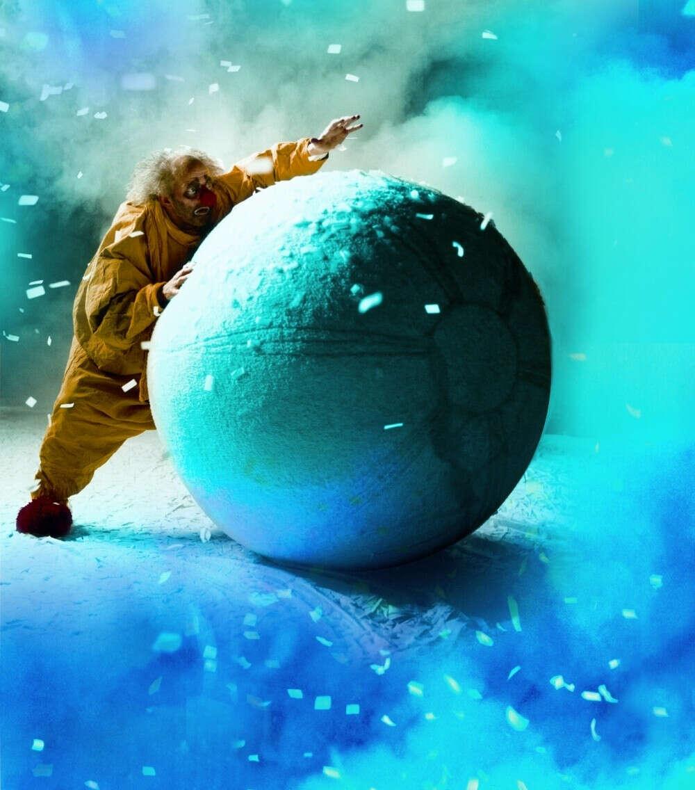 Снежное шоу Славы Полунина