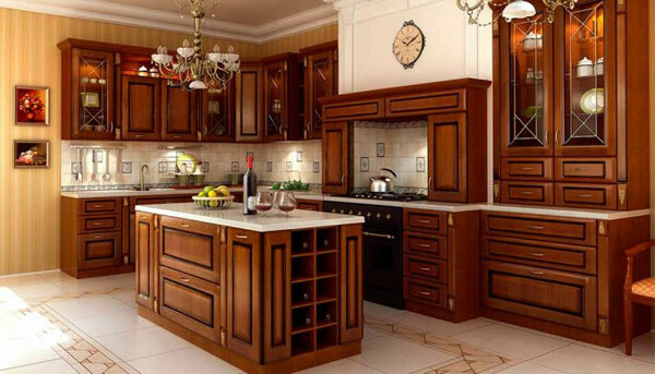 Кухонный гарнитур из темного дерева