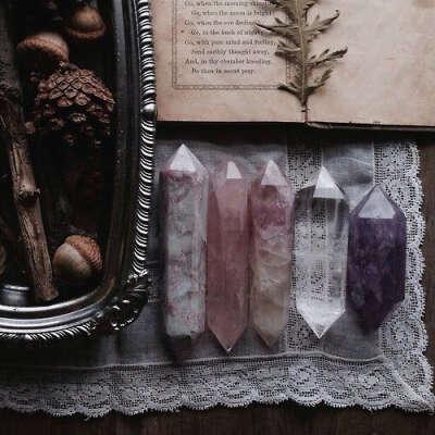 Кулон с кристаллом