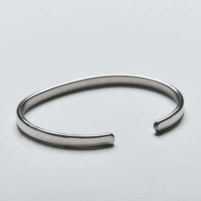 Lois Mathar Кованый браслет из стали (обхват 18 см; ширина 6 мм)