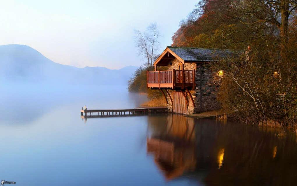 Провести выходные вдвоём в доме у озера