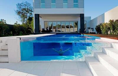 Хочу прозрачный бассейн....