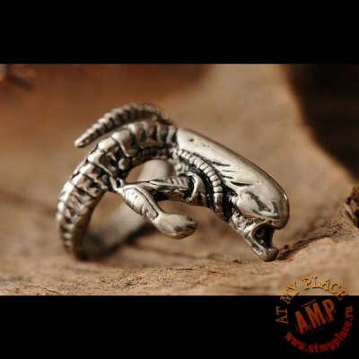 Серебристое кольцо Roar Alien