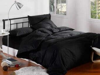 Чёрное постельное бельё