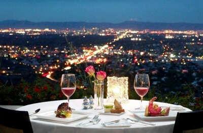 ужин в ресторане на крыше