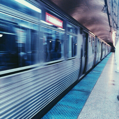 Проехаться в метро
