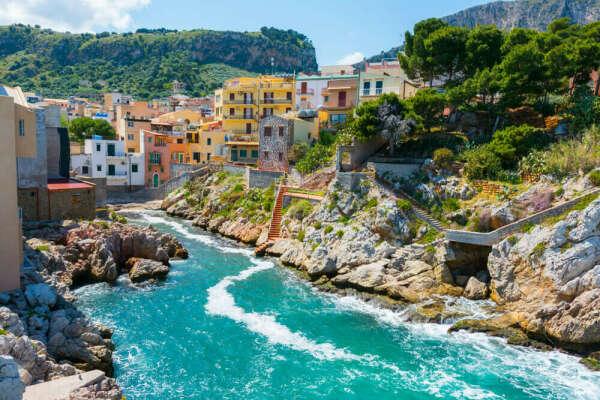 Пожить на Сицилии