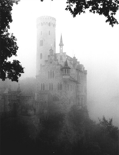 Посетить средневековые строения