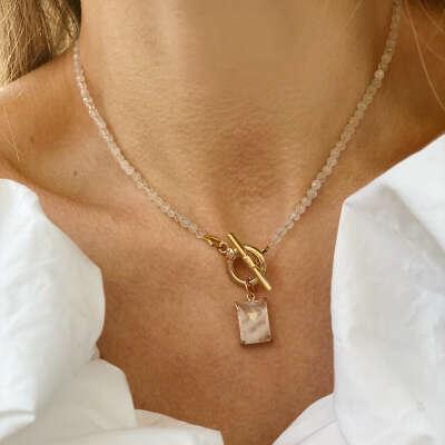 Ожерелье розовый кварц с подвеской