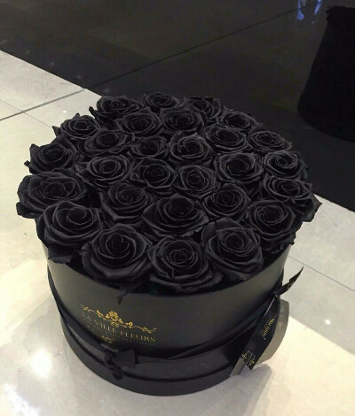 букет из черных роз!