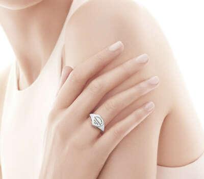 https://www.tiffany.ru/jewelry/rings/return-to-tiffany-heart-signet-ring-GRP05167/